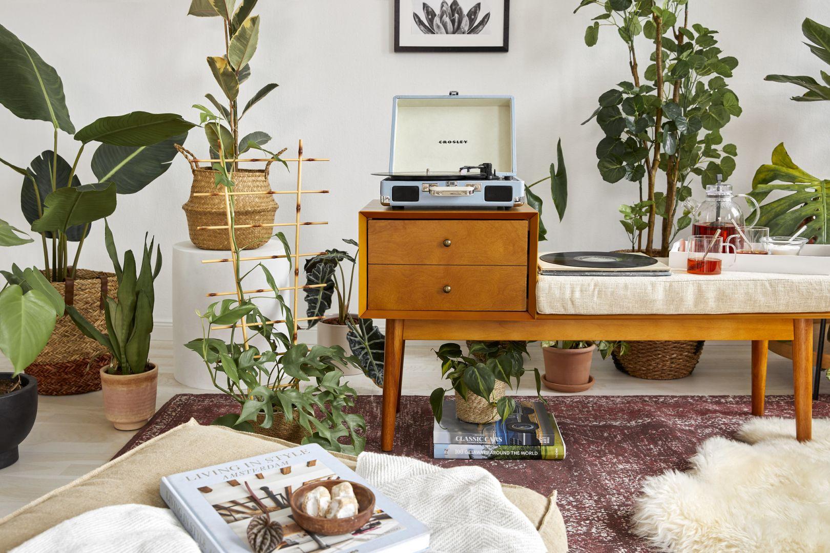 Inspiracje zielenią i przyrodą to bardzo modny trend w 2021 roku! Fot. WestwingNow