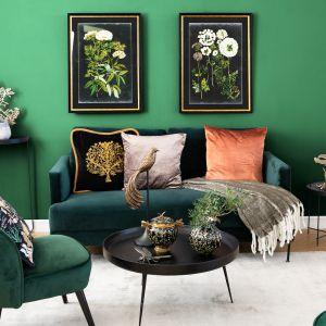 Pomysł na modny salon w ciemnozielonym kolorze. Fot. WestwingNow