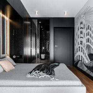 Całość aranżacji sypialni urozmaicają ciekawe detale. Projekt: pracownia Magma. Fot. Fotomohito
