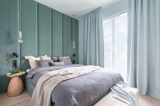 Tapicerowane, miękkie zagłówki w sypialni to niezwykle modne rozwiązanie. Zobaczcie jak efektownie się prezentują na ścianie za łóżkiem.