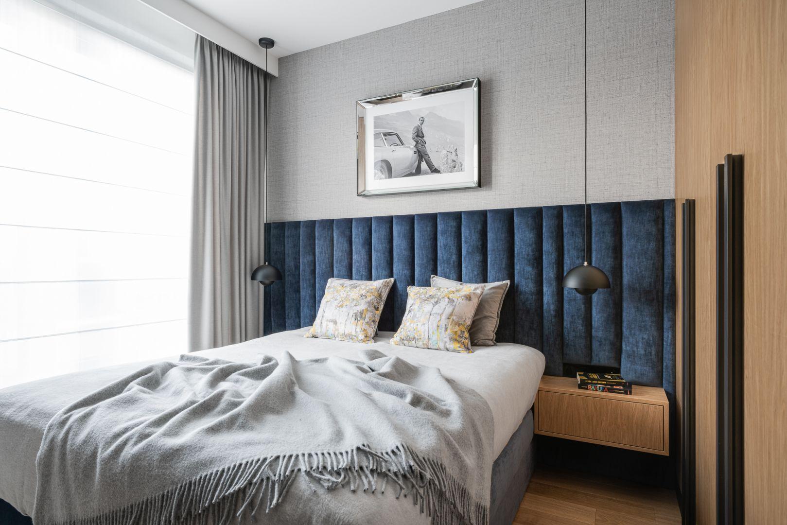 Modny, tapicerowany zagłówek w sypialni. Projekt Anna Maria Sokołowska. Fot. Fotomohito