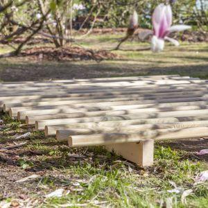 Drewniany stelaż pod materac Wabi Sabi Lookbook fot. Pion Poziom