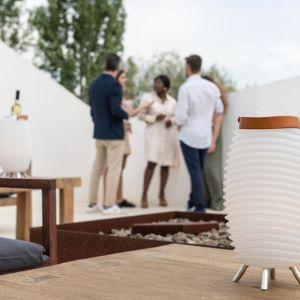 Designerskie lampy Synergy będę prawdziwą ozdobą tarasy i ogrodu. Fot. Kooduu/BM Housing