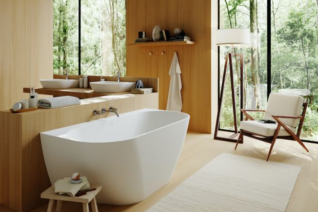 Sposoby na zaaranżowanie łazienki można wymieniać bez końca. Trendy kolorystyczne, nowe materiały i rozwiązania funkcjonalne kuszą, by nimi żonglować wedle upodobania. A czasami warto po prostu wybrać klasykę, podaną jednak w nowoczesnej szac