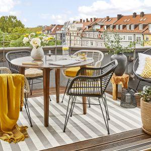 Zobaczcie aranżację domowego biura na balkonie, która idealnie sprawdzi się zarówno na mniejszych, jak i większych powierzchniach. Fot. WestwingNow