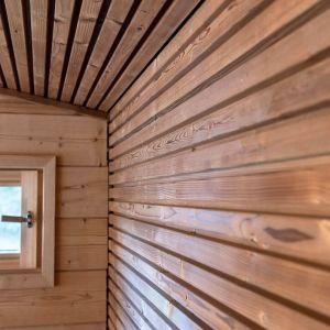 Drewno poddawane jest wysokiej temperaturze - między 160 a 230°C - w kłębach pary. Fot. JAF Polska