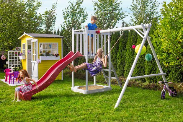 Plac zabaw dla dzieci w ogrodzie: 10 tanich pomysłów z sieciówek