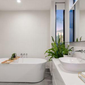 W codziennym dbaniu o porządek w łazience pomogą nam specjalistyczne środki czystości. Fot. Jurga