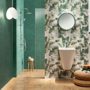 Płytki z kolekcji Burano Green marki Domino przypadną do gustu osobom, które lubią kojące połączenie zieleni, bieli i drewna. Takie zestawienie kolorów sprawi, że łazienka stanie się miejscem relaksu i wyciszenia. Fot. Domino/Tubądzin