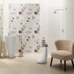 Osobom, które marzą o łazience w stylu romantycznym, przypadnie do gustu kolekcja Mild Garden Ceramiki Tubądzin. Fot. Tubądzin