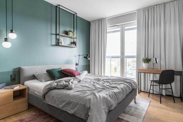 Farba, tapeta, a może modna sztukateria? Pomysłów na ścianie za łóżkiem jest naprawdę wiele, tak że każdy znajdzie sposób dekoracji dopasowany do swego gustu i możliwości portfela. Zobaczcie nasze inspiracje!