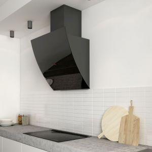 Należy wtedy zdecydować się na przykład na montaż drzwi z niewielkimi otworami, przez które będzie wpływać powietrze z korytarza. Fot. Solgaz
