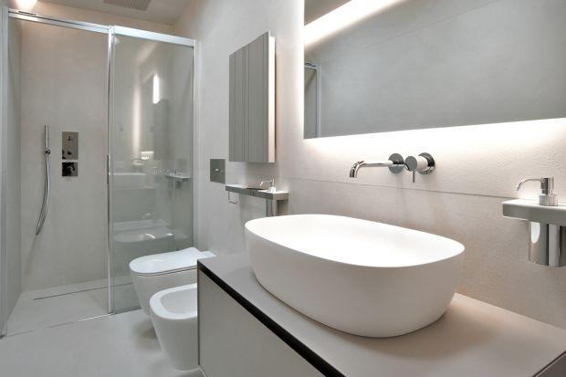 Łazienka w stylu klasycznym, art deco, zen, inspirowana hotelowymi wnętrzami - w urządzaniu wnętrza łazienki, niezależnie od jej charakteru, coraz częściej stosuje się spieki kwarcowe. Zobaczcie 10 łazienek zaaranżowanych przy użyciu tego mate