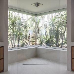 Naturalna łazienka w stylu zen. Fot. mat. prasowe Laminam