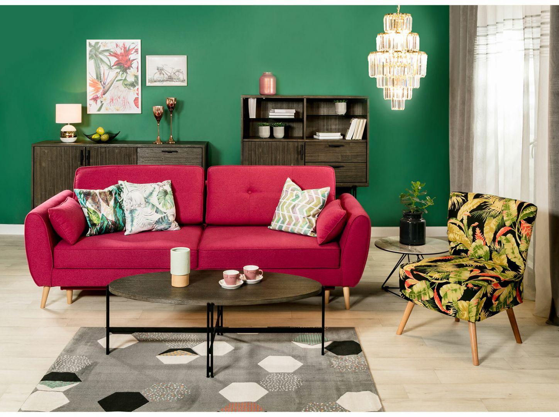 Poduszki z motywem liści czy kwiatów podkreślą styl każdej sofy. Fot. Salony Agata