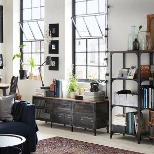 Szafka pod telewizor z kolekcji Fjallbos. Dostępna w IKEA. Cena: 499 zł. Fot. IKEA