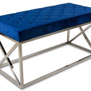 Pikowane siedzisko z przyjemnej w dotyku satynowej, pikowanej tkaniny w kolorze niebieskim, podstawa ze stali nierdzewnej. Cena: 499 zł. HowHomely, dekoracjadomu.pl