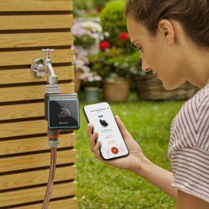 Sterownik nawadniania Bluetooth. Fot. Gardena