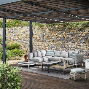 Meble ogrodowe Flexform charakteryzują się tym samym zrównoważonym smakiem i ponadczasową elegancją, jak te do wnętrz. Fot. Flexform/Mood-Design