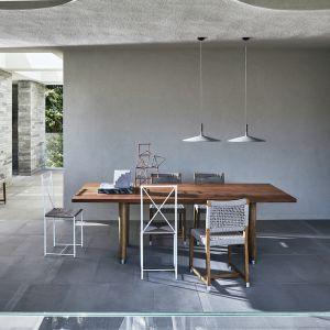 W kolekcji Flexform dostępna są także stoły i zestawy stolików kawowych. Fot. Flexform/Mood-Design