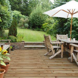 Deski tarasowe z drewna modrzew syberyjski. Fot. DLH