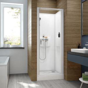 Kabiny dostępne są w dwóch wariantach wykończenia – z szybą transparentną W0 lub z sitodrukiem W18, który może stać się ozdobą naszej łazienki. Fot. Sanplast