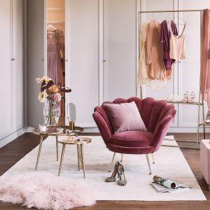 Akcesoria i dodatki w stylu glamour ujęte w trend dekoratorki Red Buduoir to propozycja marki Westwing, westwingnow.pl