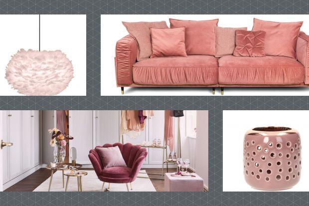 Kolor różowy to świetny wybór do salonu. Ożywi wnętrza i nada mu charakteru. Pięknie łączy się także wieloma kolorami. Co powiesz na róż i szary? To świetne i modne zestawienie.Do salonu idealne!