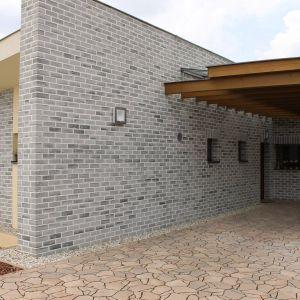 Wysoka odporność na mróz i niska nasiąkliwość sprawiają, że płytki Elabrick są praktyczne oraz trwałe, a przy tym spełniają oczekiwania architektoniczne pod względem estetycznym. Fot. Elabrick