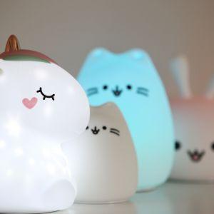 Miły dla oka i nowoczesny design lampki sprawia, że jest ona doskonałym elementem wystroju zarówno pokoju dziewczynki, jak i chłopca. Fot. InnoGIO