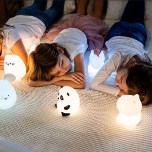 Lampka oprócz pięknego wyglądu jest także bezpieczna dla dzieci, gdyż jest wykonana z miękkiego i wolnego od BPA silikonu. Fot. InnoGIO