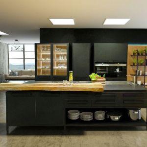 Meble do kuchni z kolekcji Fenix z oferty firmy Meble Janas. Fot. Przystanek Inspiracja/Galeria Wnętrz Domar