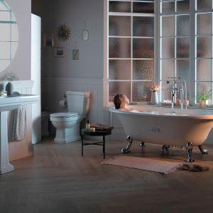 Domowe spa w łazience. Kolekcja Carmen marki Roca. Fot. Roca