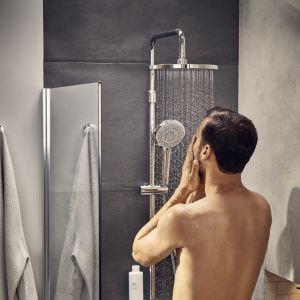 Orzeźwiający prysznic koi ciało i umysł. Fot. Roca
