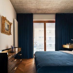 Eleganckie mieszkanie dla pary. Autor projektu: Karol Ciepliński, pracownia BLACKHAUS. Fot. Bartłomiej Sękowski