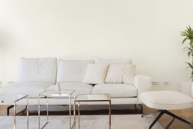 Kolor biały nada wnętrzu lekkości i optycznie je powiększy. Doskonale sprawdzi się jako baza we wnętrzach urządzonych w każdym stylu. A białe ściany, mimo zmieniających się trendów, wciąż pozostają wyznacznikiem piękna i ponadczasowego st