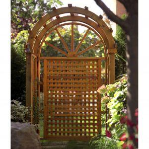 Drewno w ogrodzie zabezpieczone Jedynka Deco & Protect Impregnat 3w1.