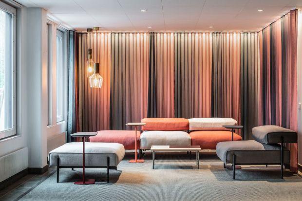 Łączaklasyczny styl z nowoczesnością, Meble szwedzkiej marki Offecct to świetne propozycja do każdego salonu.<br /><br />