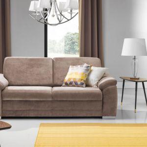 Beżowa sofa do salonu z kolekcji Barello. Dostępna w ofercie firmy Stagra Meble. Fot. Stagra Meble