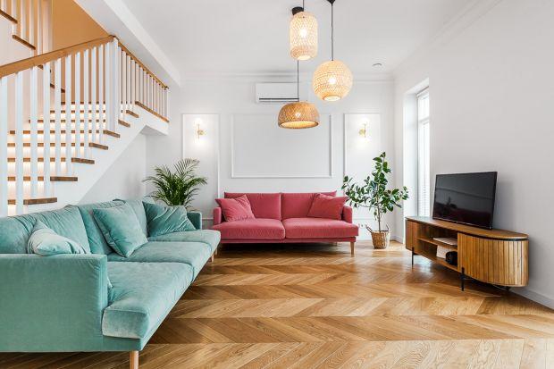 Eleganckie mieszkanie zachwyca pięknym, funkcjonalnym wnętrzem w eklektycznym stylu oraz bogatą paletą barw i wzorów. Projektantki Dorota Markowska z Polala Studio i Aneta Pogorzelska z Mozayka zaprojektowały urokliwą, energetyczną i modną przest
