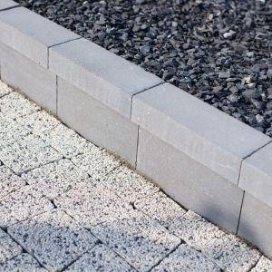 Jak dobrać obrzeża do nawierzchni z płyt i kostek betonowych? Obrzeże Flesz