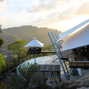 Dom Żaglowiec - Sail House. Projekt: David Hertz, David Hertz Architects. Zdjęcia: Nicola Cornwell