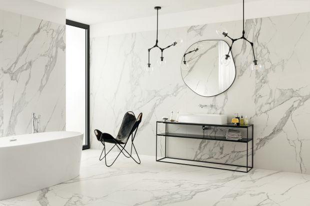 Dla wielu marmur uchodzi za najbardziej drogocenny kruszec. Niezaprzeczalnie kojarzy się z doskonałością, luksusem i elegancją. Zobaczcie 5 pomysłów na aranżację z rysunkiem marmuru w roli głównej!