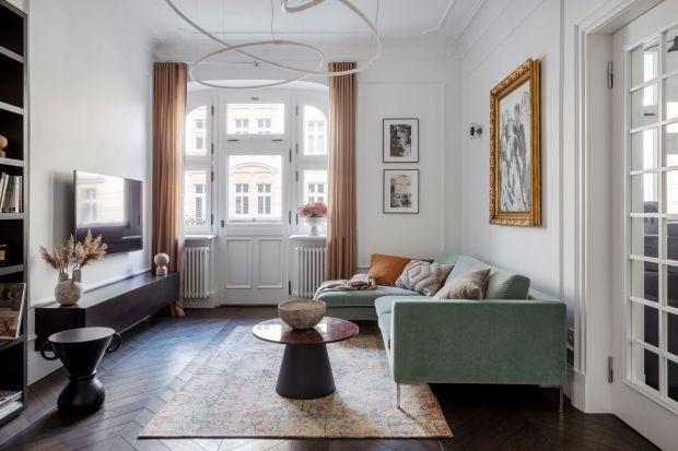 Poznańska architektka wnętrz Maria Jachalska marzyła o kamienicy.W tym wnętrzu zakochała się od pierwszego wejrzenia — mimo że podczas ich pierwszego spotkania stan mieszkania był daleki od idealnego. Zobaczcie niezwykłą metamorfozę!