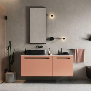 Kobieca łazienka w modnych kolorach. Fot. Defra kolekcja mebli Senso kolor tangerino