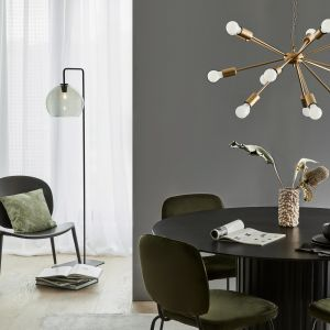 Lampa wisząca Spike, wykonana z metalu. Cena: od ok. 390 zł. Producent: Westwing