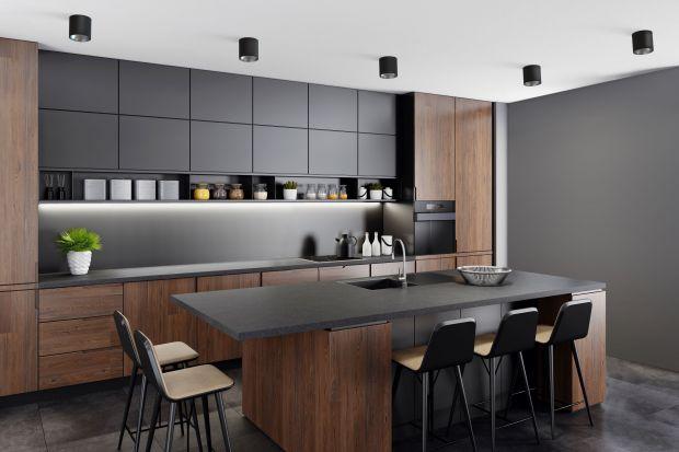 Oświetlenie w kuchni jest niezwykle ważne. Pełni bowiem zarównofunkcjędekoracyjną, jak i praktyczną. Powinno więc być ładne i funkcjonalne. Jak zatem wybraćnajlepsze oświetlenie do każdej kuchni? Podpowiadamy.