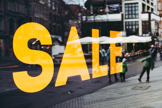 Od 3 do 7 sierpnia Castorama zaprasza do sklepów stacjonarnych na zakupy nawet do 70% taniej.W niskich cenachdostępne będzie wiele produktów do domu i ogrodu.