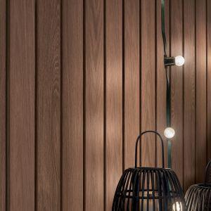 Zastosowana w panelach innowacyjna technologia Kerracore sprawia, że panele mają bardzo dobrze właściwości użytkowe. Na zdjęciu: Kerrafront Wood Effect Caramel Oak. Fot. Vox