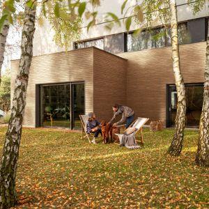 Kerrafront Wood Effect nie wymaga konserwacji oraz malowania. Na zdjęciu: Kerrafront Wood Effect Malt Oak. Fot. Vox
